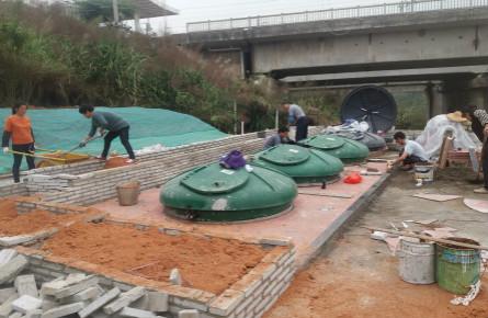 梧州南站设置新型垃圾桶