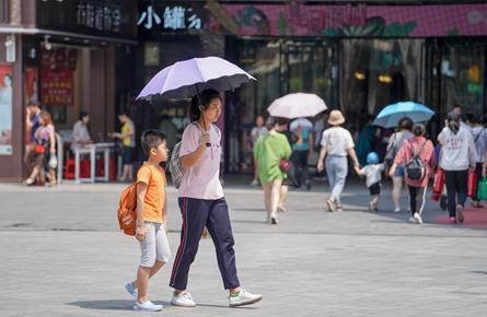 酷热将退 今明两天阵雨来袭