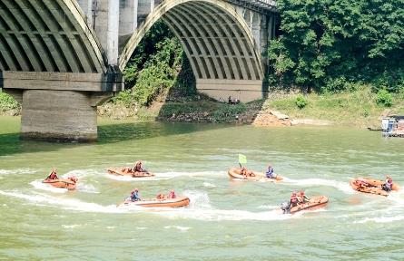 市消防救援支队开展水域救援实战化演练