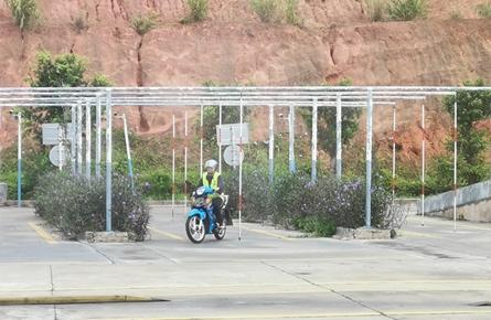 "市车管所推出摩托车驾考""一日通""专场"
