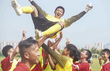 梧州市队勇夺乙组冠军