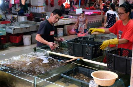 海鲜市场品种丰富