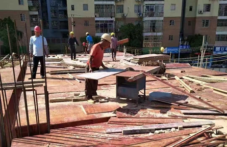 龙湖小学建设稳步推进