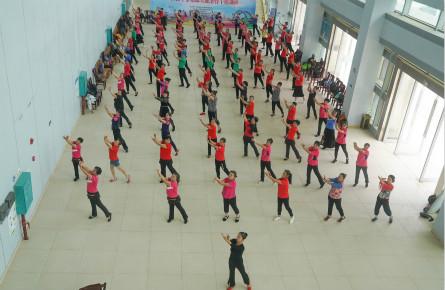 培训体育骨干 倡导全民健身
