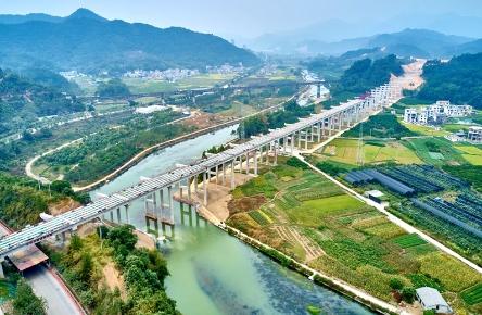 西马大桥吊装桥梁
