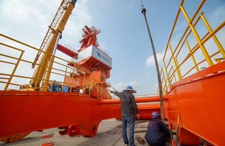 梧州港大利口码头新泊位安装设备