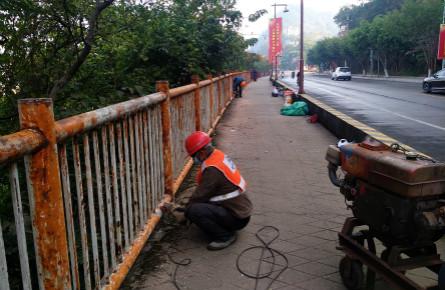 修复沿岸护栏