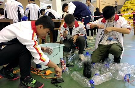 全市第三届青少年科技运动会在梧州高中举行