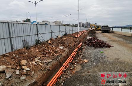 红岭三号路铺设地下管网