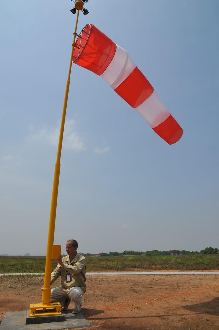 梧州机场新增新型风向标电子系统等安全设备