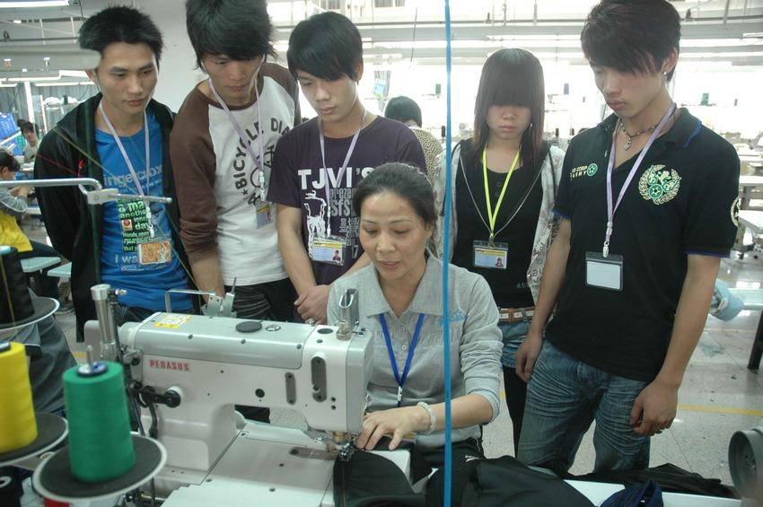 培训新员工 提高技术技能