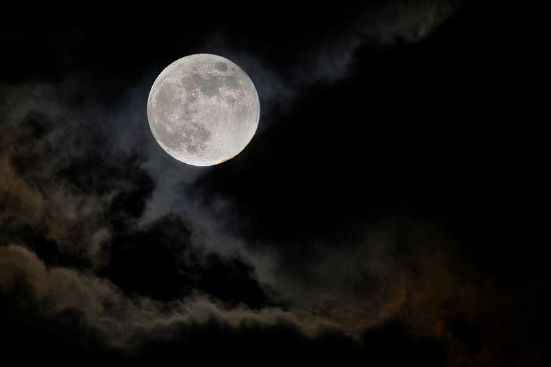 七绝 八月十五夜天气阴[新韵] - 十年剑 - 十年剑的博客