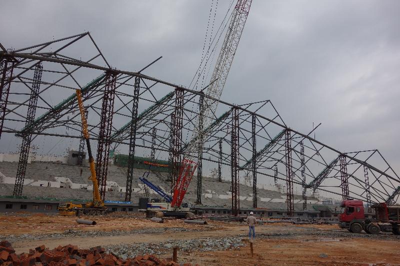 加快吊装钢结构