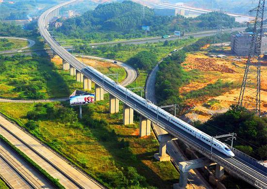 规划建设贺州至梧州,梧州至玉林,玉林至北海城际铁路,规划研究南宁经